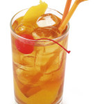Horse's neck - 3,0cl Brandy, 10,0cl Ginger ale, gg angostura
