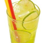 Japan Ice Tea - 1,5cl gin, 1,5cl Vodka, 1,5cl Rum, 1,5cl Midori, 3,0cl zucchero e limone, 3,0cl sprite o Lemon