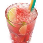 Caipiroska alla fragola: 4,0cl vodka, lime pestato, zucchero di canna, fragola